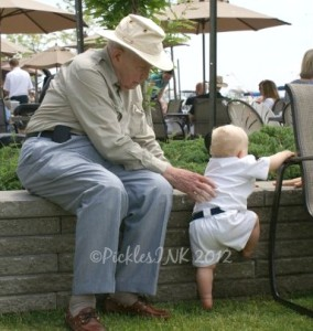 The helping hand of experience - elderly man helps baby up #1000Speak #beautifulmoment